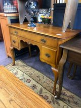Fantastic Entry Table in Naperville, Illinois