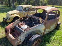 5 Early 1970 Volkswagon Beetles Suitable For Parts in Bellaire, Texas
