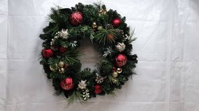24 inch Beautiful Xmas Holiday Christmas Decorated Wreath in Bolingbrook, Illinois