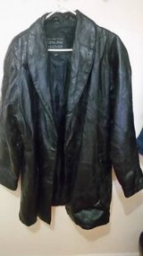 Ladies XL Leather Coat in Cleveland, Texas