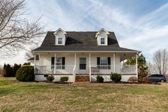 19.3 acre mini farm within 20 minutes of town. in Fort Campbell, Kentucky