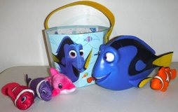 Disney Finding My Friend Dory - Bucket - smaller dolphin + fish Toys in Naperville, Illinois