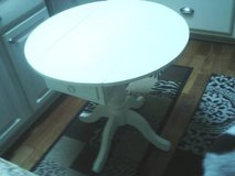 DROP LEAF TABLE ALL WOOD EXCELLENT CONDITION LOW PROFILE in Glendale Heights, Illinois