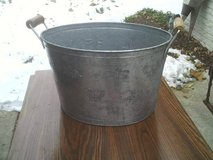 METAL WASH TUB WITH TWO WOOD HANDLES , in Orland Park, Illinois