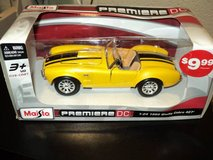 Maisto Premiere DC 1:24 1965 Shelby Cobra 427 - Yellow and Black (T=20 in Fort Campbell, Kentucky