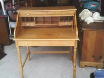 DESK ROLL TOP HAS THREE DRAWERS EXCELLENT CONDITION  MUST SEE ,READY T in Bolingbrook, Illinois