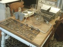 THIS IS A GROUP OF SMALL HOUSE HOLD DECORATIVE ITEMS ,ALL METAL ,ALL in Westmont, Illinois