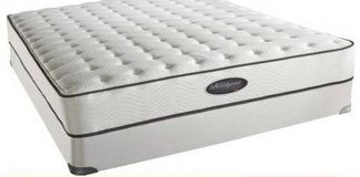 Simmons Beautyrest 10 Inch Plush Classic Mattress - Queen Size in Oswego, Illinois