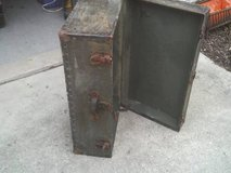 THIS TRUNK IS GREEN ,WAS TOLD WHEN WE GOT IT WAS A FOOT LOCKER in Westmont, Illinois