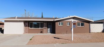 3 Bedroom Home with Bonus Room - Large Backyard! in Fort Bliss, Texas