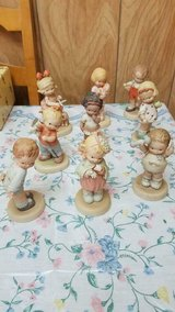 ENESCO Memories of Yesterday Figurine Lot of 9 figurines! Very Good Condition. in Bellaire, Texas