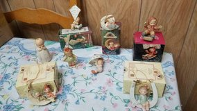 ENESCO 'Memories of Yesterday' Figurine Ornaments Lot of 8 porcelain ornaments! in Bellaire, Texas