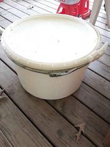 20-gallon food grade locking storage tub in The Woodlands, Texas