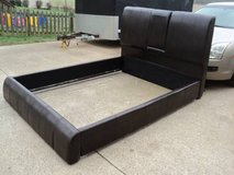 Queen Platform Bed in Fort Campbell, Kentucky