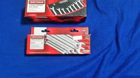 New 8pc Comb, Wrench Set & Roll Pouch in Cleveland, Texas
