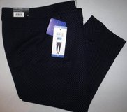 New! Sz 10 Hilary Radley Navy Blue Polka Dot Stretch Cropped / Capri Pants in Orland Park, Illinois