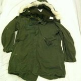VINTAGE 1972 GREEN FISHTAIL EXTREME COLD WEATHER PARKA W/ LINER MEDIUM in Colorado Springs, Colorado