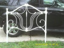 HEAD BOARD IRON LIKE NEW USED HEAVY WHITE EXPENSIVE RETAIL,SCROLLED in Naperville, Illinois