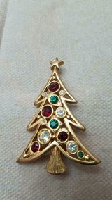 """LIA Designer Signed CHRISTMAS Tree Brooch / Pin! Red, White, Green Rhinestones 2"""" tall in Bellaire, Texas"""
