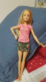 2015 Mattel BARBIE Doll - Made in Indonesia Blonde Hair Blue Eyes! in Bellaire, Texas