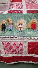 "Small 4"" Dolls With Clothing!! So cute!! + Small Bag! 5pcs in Kingwood, Texas"