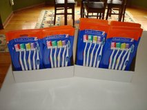 Brush N Clean Toothbrush Value Pack - 5 pk - Brand New!! Cheap!! in Brookfield, Wisconsin