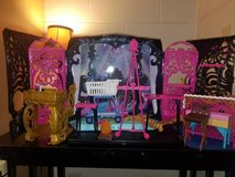Monster High Stage with Accessories in Fort Campbell, Kentucky