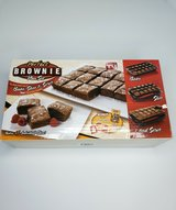 perfect brownie pan set (as seen on tv) vgc   original box and full complete set in Westmont, Illinois