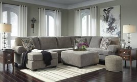 Signature Design by Ashley Sectional in Honolulu, Hawaii