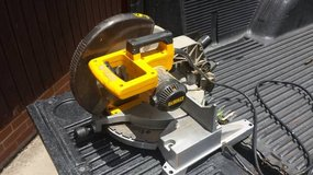 "DeWalt 12"" Single Bevel Miter saw in Warner Robins, Georgia"