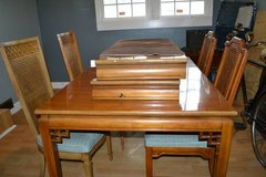 Vintage Table with 2 leafs + 4 Chairs - Hollywood regency - Mid Cent M in Camp Lejeune, North Carolina