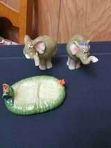 Ceramic Elephant Salt and Pepper Shaker Set!   So cute!  3 pc.  great condition!! in Kingwood, Texas