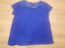 Ladies royal blue with lace size large stretchy top in Vista, California