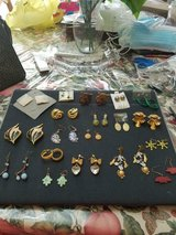 Mixed Lot of Vintage Pierced Earrings- 18 pairs!     Studs, Dangling & Drop!   Unsigned in Bellaire, Texas