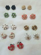 9pc Mixed Lot of Vintage Clip Earrings! (Includes dangling ones) Very nice jewelry! in Bellaire, Texas