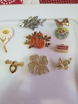 8 pc Mixed Lot of Vintage Earrings! Signed   Grasshopper, Pumpkin, Flower, Fish, Heart in Spring, Texas