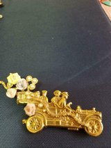 Gold Tone Roadster Car Brooch w/ People! Ceramic Flowers and Faux Pearls!  Very Unique! in Spring, Texas