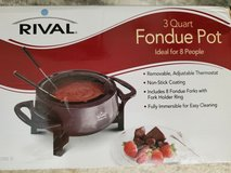 NEW Rival 3 QT Non-Stick Electric Fondue Pot 8 Forks Stainless Steel Easy Clean! in Fort Belvoir, Virginia