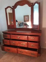 Bedroom set 3 piece set in Sugar Grove, Illinois