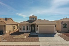 3 Bedroom Home, Refrigerated A/C, 2 Car Garage in Fort Bliss, Texas