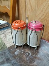 """vintage gemco glass shakers w/ metal lids & holder!  3 1/2""""  made in usa   3 pcs in Bellaire, Texas"""