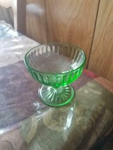 Vintage Green Vaseline Glass Footed Fruit Bowl! Great condition! No chips or cracks.Vintage Gree... in Bellaire, Texas