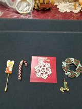 Lot of 5 Assorted Christmas Brooches / Pins w/ Rhinestones & Crystals! in Bellaire, Texas