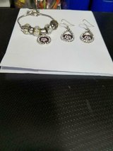 Pretty Texas A & M  2 pc Fashion Jewelry Set! Bracelet and Pierced Earrings! in Bellaire, Texas