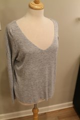 Ann Taylor Heather Blue V-Neck Light Sweater, Linen Blend, Small in Chicago, Illinois