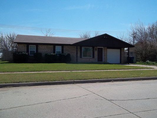 For Rent/Lease 418 W Linden Dr. Mustang in REmilitary