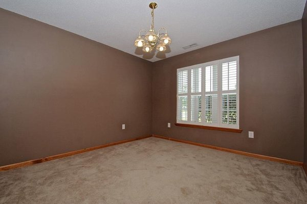 Large Open Floorplan! in REmilitary