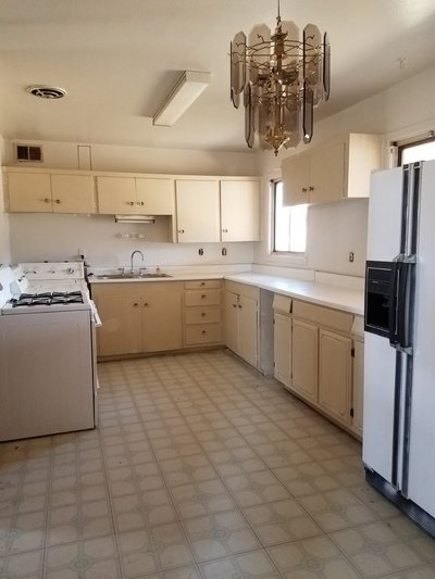701 Panorama Circile 3 Bdrm/2 Ba home on large lot in REmilitary