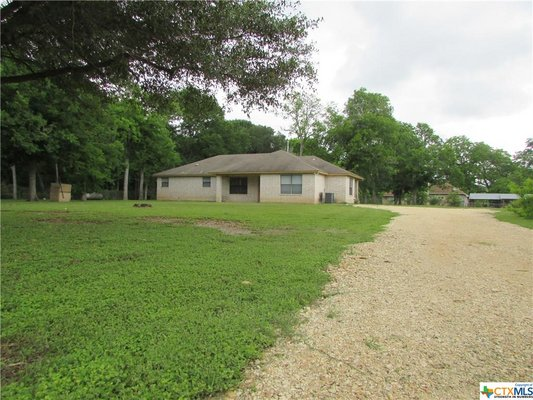 Great 3/2 brick home on 1 acre in Seguin, Texas! in REmilitary