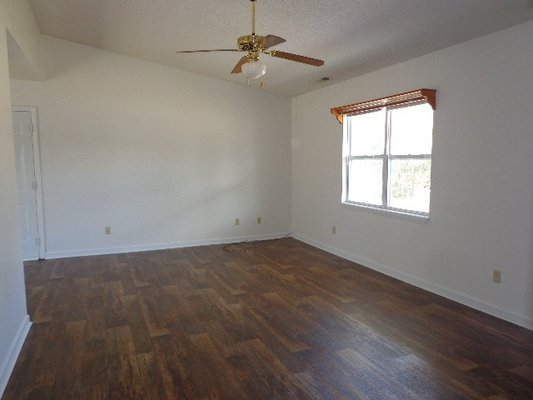 For Rent; 212 South Creek in REmilitary